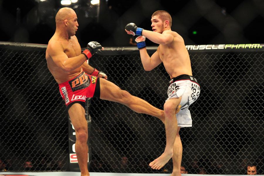 Внутренний удар по ногам (англ. Inside leg kick)